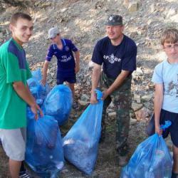 Уборка мусора на Утрише
